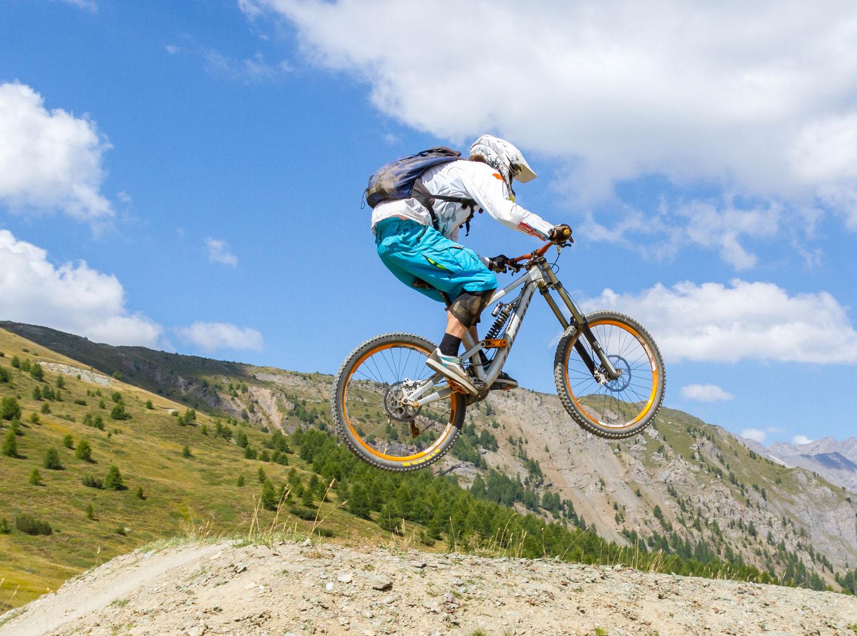 Downhill biking Sauze d'Oulx